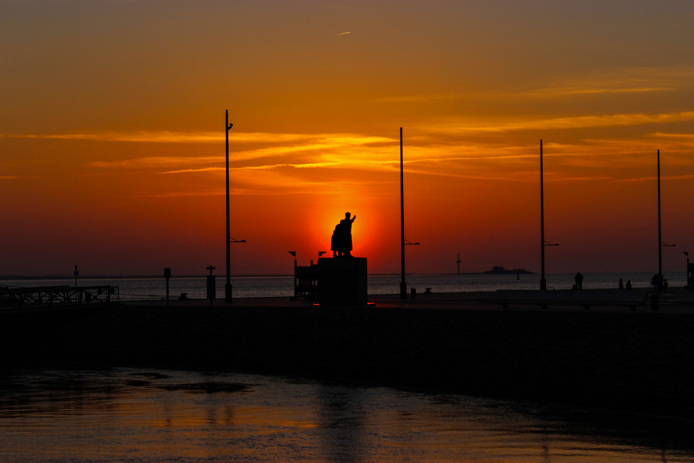 Sunset-Emigration